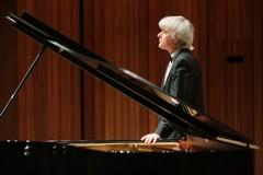 ピアニスト:デジュー・ラーンキ 写真
