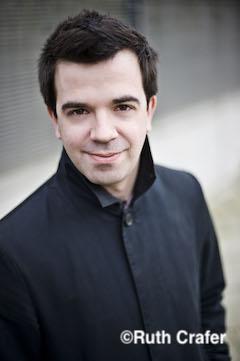 指揮者:ロリー・マクドナルド 写真